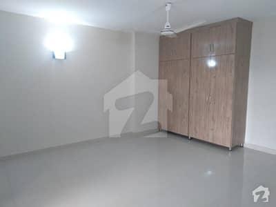 ڈی ایچ اے فیز 2 - سیکٹر اے ڈی ایچ اے ڈیفینس فیز 2 ڈی ایچ اے ڈیفینس اسلام آباد میں 3 کمروں کا 9 مرلہ فلیٹ 1.1 کروڑ میں برائے فروخت۔