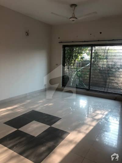 Askari 11 Sector A  - 10 Marla 3 Bed Luxury House For Sale