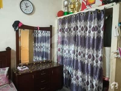 ڈھوک کشمیریاں راولپنڈی میں 3 کمروں کا 4 مرلہ بالائی پورشن 15 ہزار میں کرایہ پر دستیاب ہے۔