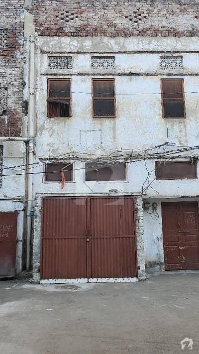 گلبرگ فیصل آباد میں 6 کمروں کا 4 مرلہ مکان 1.05 کروڑ میں برائے فروخت۔