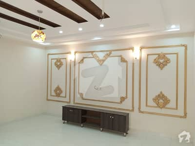 آڈٹ اینڈ اکاؤنٹس ہاؤسنگ سوسائٹی لاہور میں 5 کمروں کا 8 مرلہ مکان 1.7 کروڑ میں برائے فروخت۔
