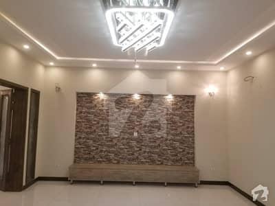 واپڈا ٹاؤن فیز 1 واپڈا ٹاؤن لاہور میں 5 کمروں کا 10 مرلہ مکان 1 لاکھ میں کرایہ پر دستیاب ہے۔