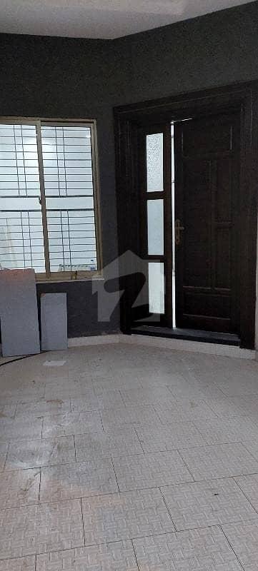 ایڈن ویلی فیصل آباد میں 3 کمروں کا 3 مرلہ مکان 75 لاکھ میں برائے فروخت۔