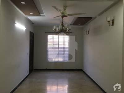 جی ۔ 15 اسلام آباد میں 2 کمروں کا 8 مرلہ بالائی پورشن 30 ہزار میں کرایہ پر دستیاب ہے۔