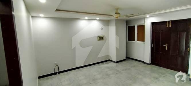 احد ریزیڈینسیز ای ۔ 11 اسلام آباد میں 2 کمروں کا 6 مرلہ فلیٹ 42 ہزار میں کرایہ پر دستیاب ہے۔