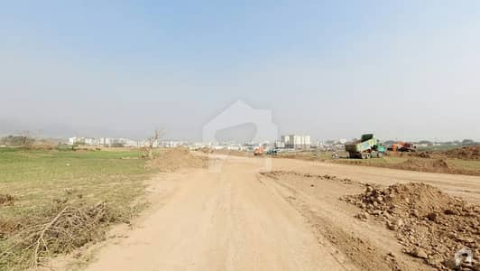 ای ۔ 12/2 ای ۔ 12 اسلام آباد میں 10 مرلہ رہائشی پلاٹ 2.4 کروڑ میں برائے فروخت۔