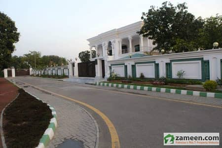 10 Kanal Farm House For Rent In Sukh Chayn Gardens