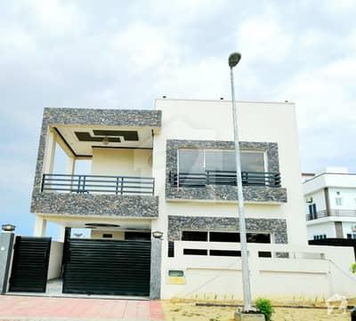 بحریہ ٹاؤن فیز 8 بحریہ ٹاؤن راولپنڈی راولپنڈی میں 5 کمروں کا 10 مرلہ مکان 2.25 کروڑ میں برائے فروخت۔