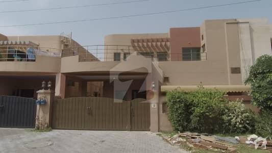 Kamran Estate Offers 10 Marla Beautifull Design House Is For Sale At Main Buliyard Of Askari 10