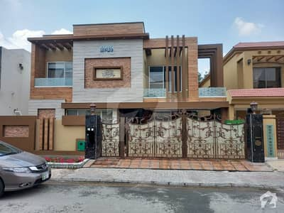 بحریہ ٹاؤن اوورسیز A بحریہ ٹاؤن اوورسیز انکلیو بحریہ ٹاؤن لاہور میں 5 کمروں کا 1 کنال مکان 5.7 کروڑ میں برائے فروخت۔