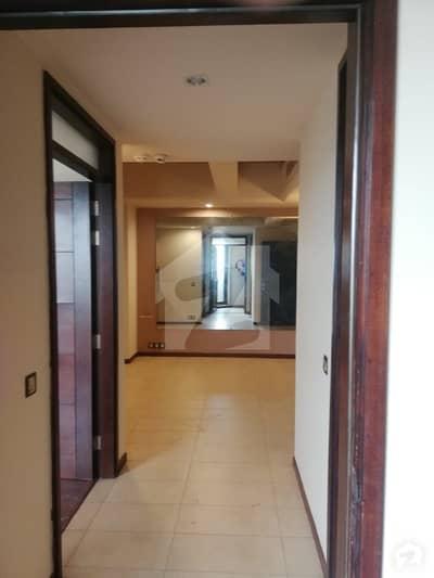 سلوراوکس اپارٹمنٹ ایف ۔ 10 اسلام آباد میں 2 کمروں کا 5 مرلہ فلیٹ 2.7 کروڑ میں برائے فروخت۔