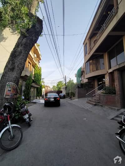 11 Marla Plot For Sale In Gulberg Canal Park