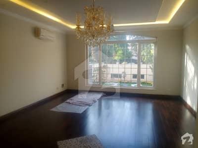 ایف ۔ 8 اسلام آباد میں 7 کمروں کا 1.24 کنال مکان 20 کروڑ میں برائے فروخت۔