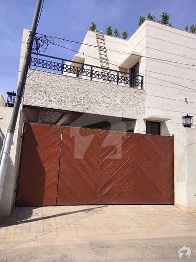 کینٹ لاہور میں 3 کمروں کا 2 کنال بالائی پورشن 2 لاکھ میں کرایہ پر دستیاب ہے۔