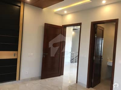 10 Marla Spacious House Available In Eden For Sale