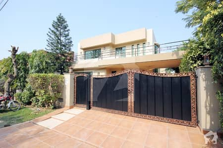 1 KANAL LUXURIOUS HOUSE FOR RENT IN DHA