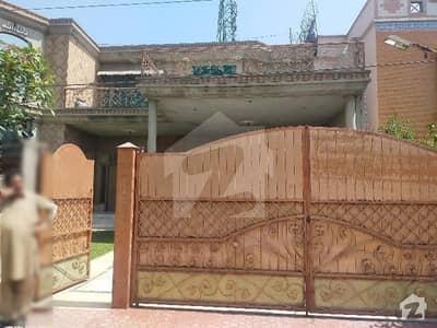 خیابان کالونی 2 فیصل آباد میں 6 کمروں کا 1 کنال مکان 4.25 کروڑ میں برائے فروخت۔