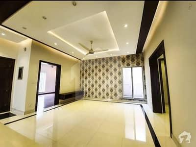 بحریہ ٹاؤن سیکٹر سی بحریہ ٹاؤن لاہور میں 3 کمروں کا 5 مرلہ مکان 52 ہزار میں کرایہ پر دستیاب ہے۔