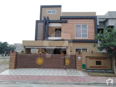 بحریہ ٹاؤن - طلحہ بلاک بحریہ ٹاؤن سیکٹر ای بحریہ ٹاؤن لاہور میں 5 کمروں کا 10 مرلہ مکان 2.2 کروڑ میں برائے فروخت۔