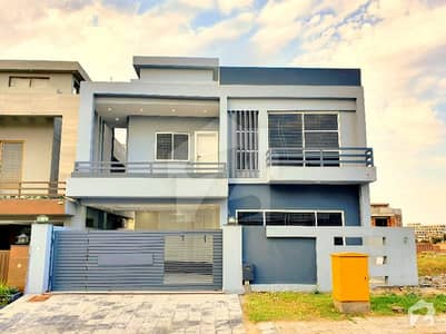 Amazing 11 Marla House For Sale In Bahria Town