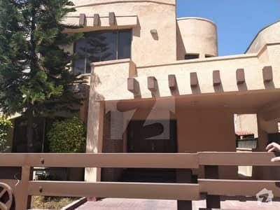 بحریہ ٹاؤن ۔ سفاری ولاز 2 بحریہ ٹاؤن راولپنڈی راولپنڈی میں 3 کمروں کا 10 مرلہ مکان 2.75 کروڑ میں برائے فروخت۔