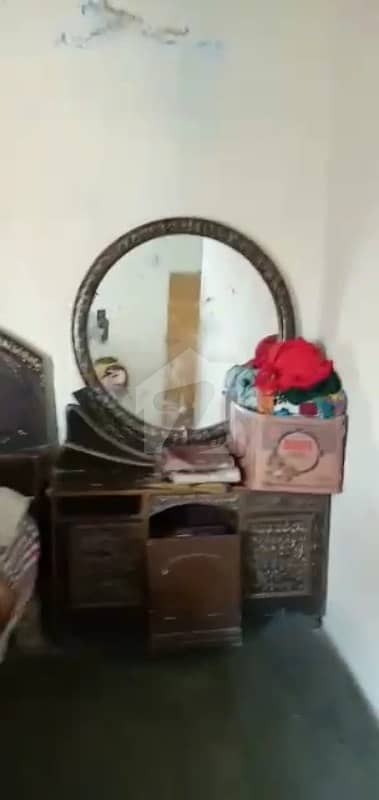 گڑھی شاہو لاہور میں 3 کمروں کا 5 مرلہ فلیٹ 50 لاکھ میں برائے فروخت۔