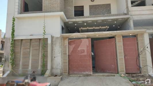 جامشورو روڈ حیدر آباد میں 6 کمروں کا 8 مرلہ مکان 2.5 کروڑ میں برائے فروخت۔
