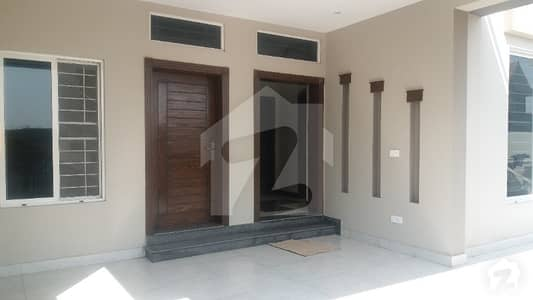 D12/1 3570 Brand New House 6 Bed For Sale