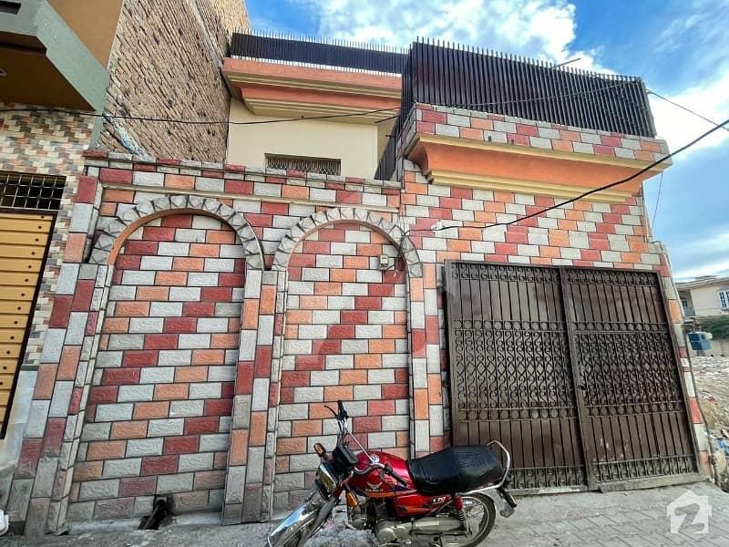 سیٹھی ٹاؤن پشاور میں 5 کمروں کا 5 مرلہ مکان 1.35 کروڑ میں برائے فروخت۔