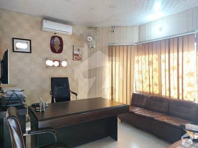 جوہر ٹاؤن فیز 2 جوہر ٹاؤن لاہور میں 11 کمروں کا 1 کنال عمارت 8 کروڑ میں برائے فروخت۔