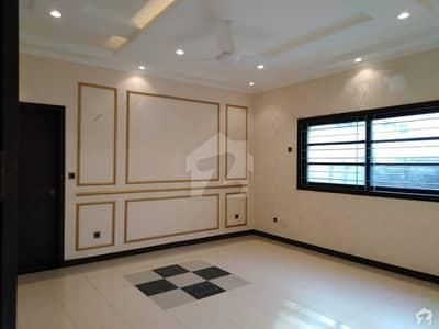 ڈی ایچ اے فیز 7 ڈی ایچ اے کراچی میں 5 کمروں کا 12 مرلہ مکان 7.5 کروڑ میں برائے فروخت۔