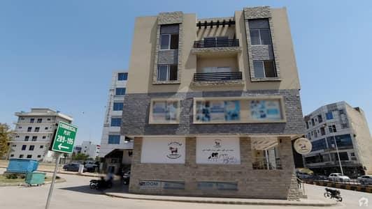 حب کمرشل بحریہ ٹاؤن فیز 8 ۔ سفاری ویلی بحریہ ٹاؤن فیز 8 بحریہ ٹاؤن راولپنڈی راولپنڈی میں 5 مرلہ عمارت 5.5 کروڑ میں برائے فروخت۔