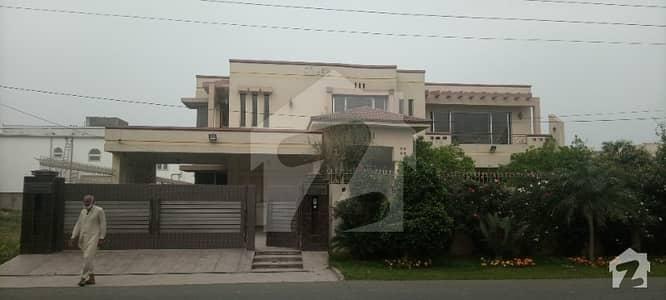 ماڈل ٹاؤن ۔ بلاک ایف ماڈل ٹاؤن لاہور میں 11 کمروں کا 3 کنال مکان 8.5 لاکھ میں کرایہ پر دستیاب ہے۔