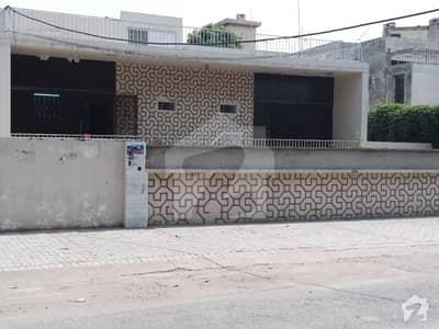 اَپر مال لاہور میں 5 کمروں کا 2 کنال مکان 3.85 لاکھ میں کرایہ پر دستیاب ہے۔