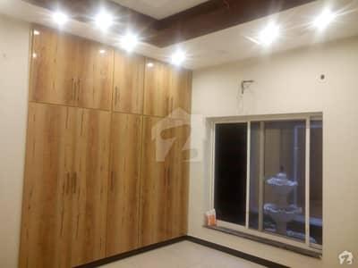 الرحمان گارڈن فیز 2 الرحمان گارڈن لاہور میں 3 کمروں کا 4 مرلہ مکان 70 لاکھ میں برائے فروخت۔