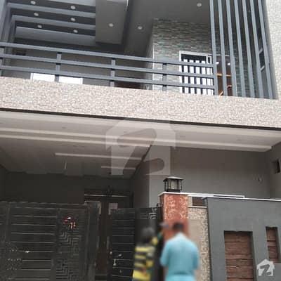 ایڈن ویلی فیصل آباد میں 3 کمروں کا 5 مرلہ مکان 44 ہزار میں کرایہ پر دستیاب ہے۔