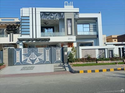 A House Of 1 Kanal In DC Colony
