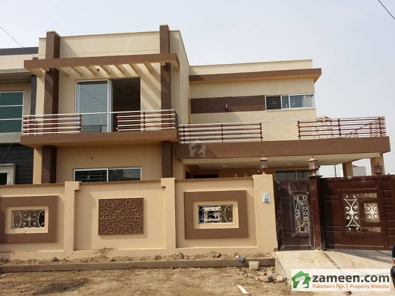 20 Marla Corner Brand New House Available For Sale