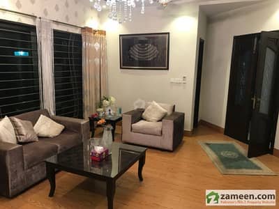 1 Kanal Designer House Available For Sale