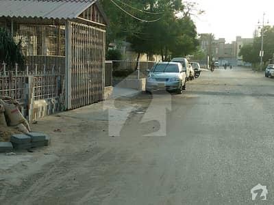 نارتھ کراچی - سیکٹر 11-C/1 نارتھ کراچی کراچی میں 7 کمروں کا 16 مرلہ مکان 4.9 کروڑ میں برائے فروخت۔