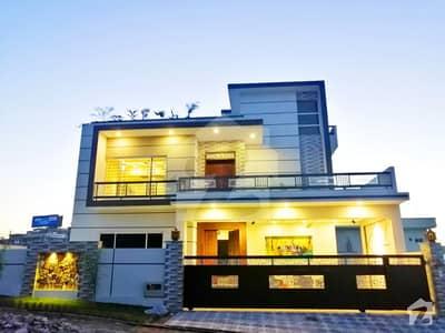ڈی ایچ اے ڈیفینس فیز 2 ڈی ایچ اے ڈیفینس اسلام آباد میں 6 کمروں کا 1 کنال مکان 6 کروڑ میں برائے فروخت۔