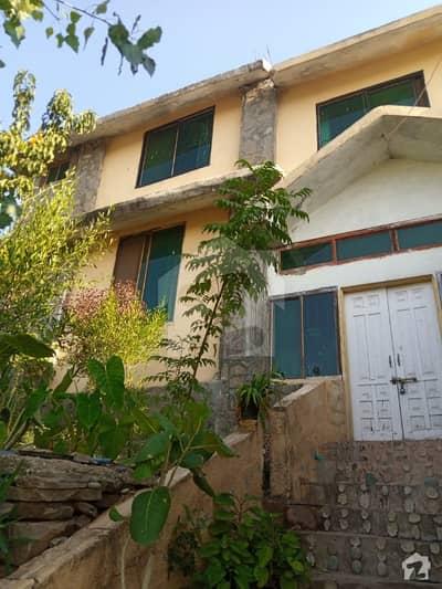 چتر اسلام آباد میں 5 کمروں کا 1.5 کنال فارم ہاؤس 1.9 کروڑ میں برائے فروخت۔