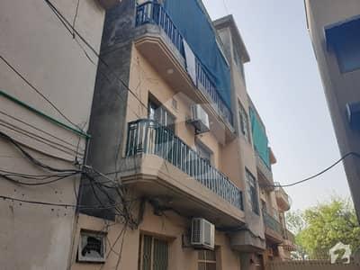 کلمہ چوک لاہور میں 2 کمروں کا 5 مرلہ فلیٹ 90 لاکھ میں برائے فروخت۔