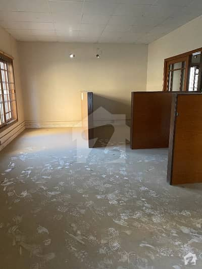 (Ground Plus 2)  500 Sq Yards Bungalow For Commercial Purpose 13 Rooms 12 Car Parking