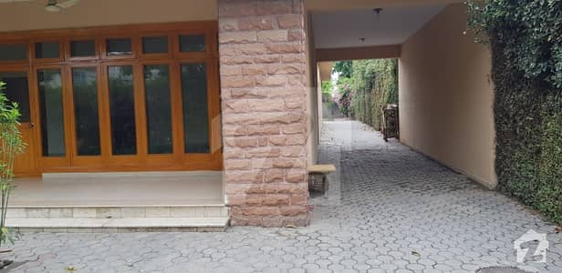 3 Kanal House For Sale Good Location
