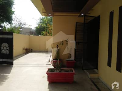بحریہ ٹاؤن جوہر بلاک بحریہ ٹاؤن سیکٹر ای بحریہ ٹاؤن لاہور میں 10 مرلہ مکان 1.95 کروڑ میں برائے فروخت۔