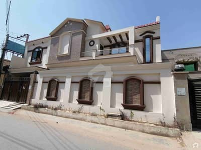 فضیلت ٹاؤن رحیم یار خان میں 8 مرلہ مکان 1.6 کروڑ میں برائے فروخت۔