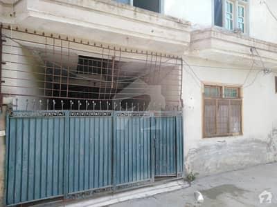 ورسک روڈ پشاور میں 3 کمروں کا 4 مرلہ مکان 22 ہزار میں کرایہ پر دستیاب ہے۔