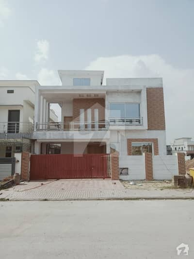 Semi Finished 10 Marla House For Sale, Covered Area 4,000 Sqft