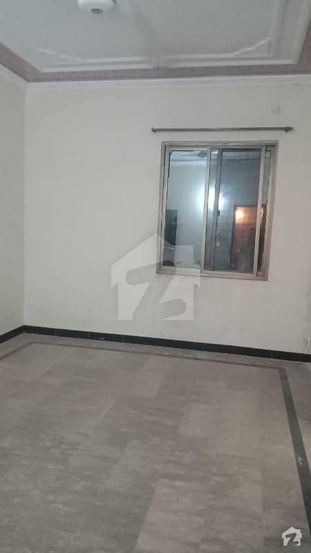 ارباب سبز علی خان ٹاؤن ورسک روڈ پشاور میں 3 کمروں کا 5 مرلہ بالائی پورشن 18 ہزار میں کرایہ پر دستیاب ہے۔